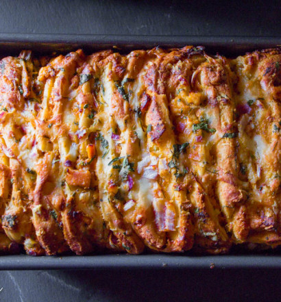 Butter Chicken Pull Apart Bread-10